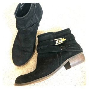 Fergalicious by Fergie black ankle booties